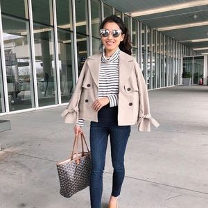Halogen short trench coat with tied sleeves